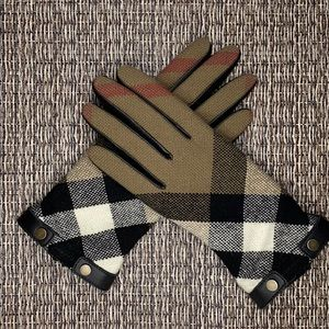 Burberry Classic Check Gloves Size 7